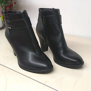 Jones New York Black Manmade Leather Ankle Bootie